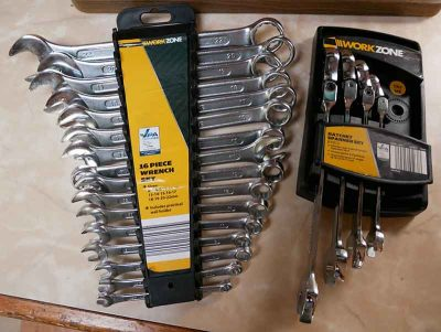 Spanner set - open and ratchet